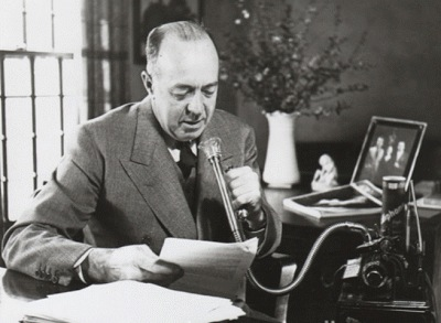 Edgar Rice Burroughs dictating a novel.